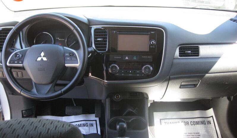 2014 Mitsubishi Outlander SE full